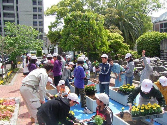 http://www.oniwanotakumi.com/takumi/17kojuen-4.jpg